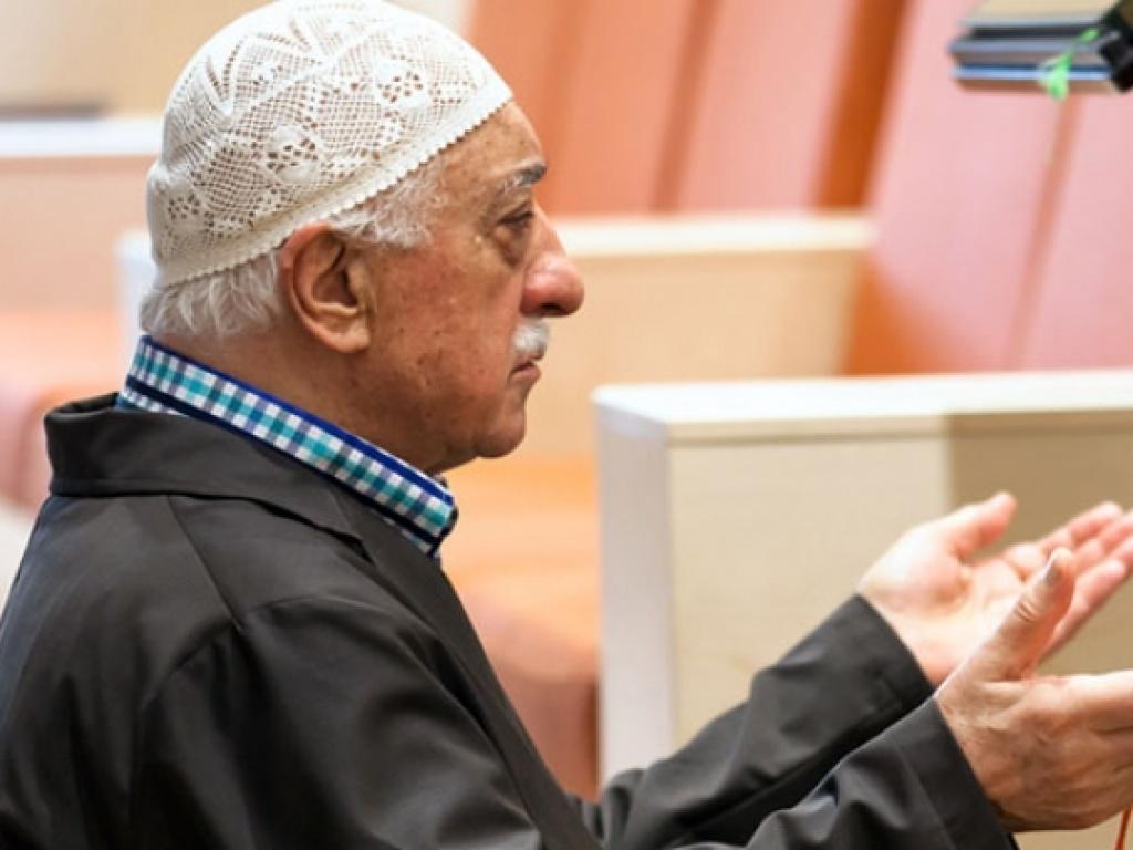 Fethullah Gülen Hocaefendi kimin ocağına ateş düşsün dedi?