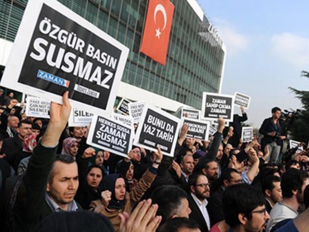 Gazetecilerden medya baskınına tepki yağıyor